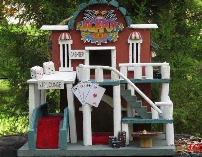 Casino-Birdhouse